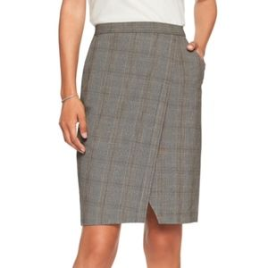 Banana Republic Plaid skirt